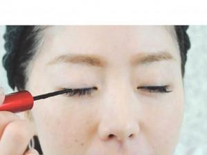 まつげ美容液 アイライナータイプ 効果的な塗り方